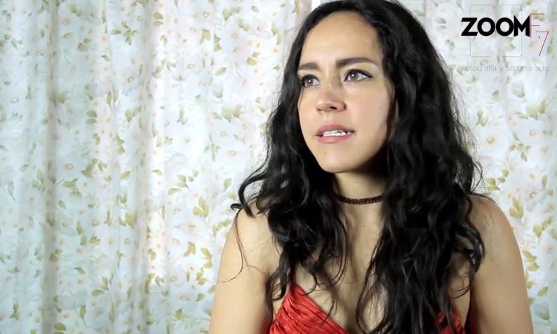 Lleno a mis personajes de memorias y detalle:Alenka RíosHart