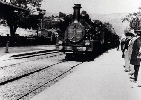 Llegada_del_tren_a_la_estaci_n_de_La_Ciotat_C-416912632-large