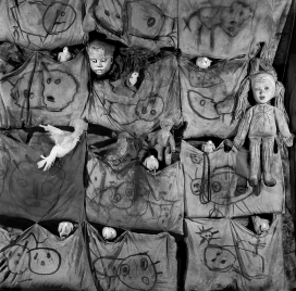 roger_ballen_asylum_of_the_birds2