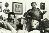 El santo y la vedette (1982) Una comedia grotesca con referencias sexuales explícitas en la línea de la sátira política de los años ochenta.