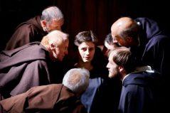 Federico, un joven sacerdote, es convocado por los ministros de la Santa Inquisición para hacer confesar a la hermana Benedetta, acusada de seducir y llevar a la muerte a un sacerdote.