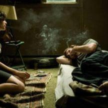 Clara y Nikolai se conocen en una noche de fiesta. Como resultado de una fuerte atracción, se dirigen al departamento de él. Después del apasionado acercamiento, Clara intenta irse sin despedirse pero regresa para entablar una relación que más va más allá de sexo.