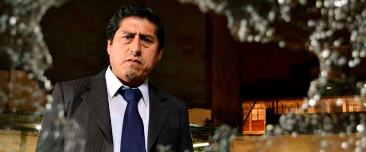 Algunos acontecimientos inesperados en la vida de Constantino Zegarra, un juez peruano, lo llevan a pensar que están buscando eliminarlo.