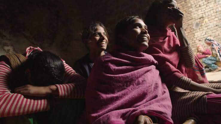 Period. End of Sentence: mujeres que fabrican sus propias toallassanitarias